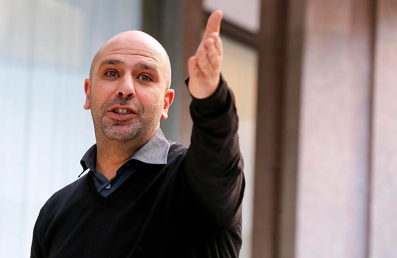 Tradito dalla somiglianza con Checco Zalone, rapinatore condannato