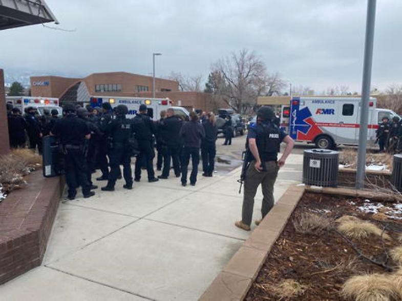 Strage nel supermercato: almeno 10 morti in Colorado, fermato presunto killer
