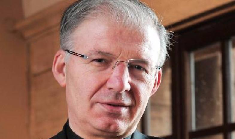 Don Mauro Inzoli 'spretato' da Papa Francesco