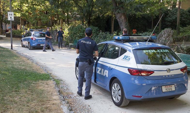Controllo e botte agli agenti, arrestati due nordafricani