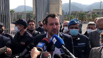 """Open Arms, Salvini: """"Vi pare serio un processo con Richard Gere?"""""""