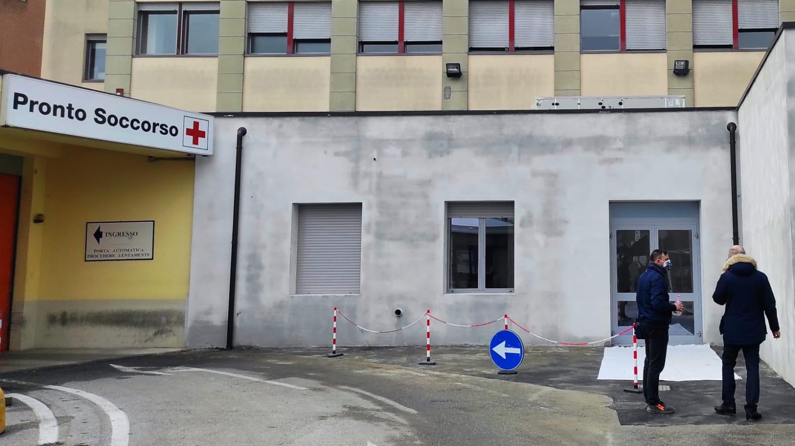 In Italia 9.750 dosi di vaccino Pfizer per la prima
